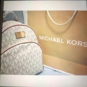 too much bag anybody like it?